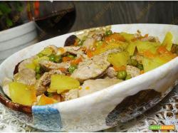 Spezzatino di pollo con patate e piselli