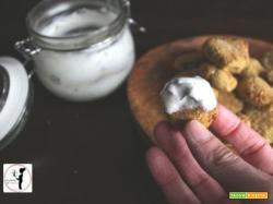 Falafel di Simona in friggitrice ad aria con salsa allo yogurt