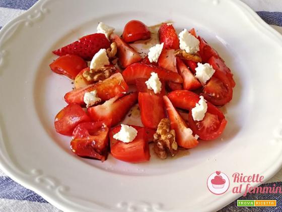 Insalata di fragole e pomodorini