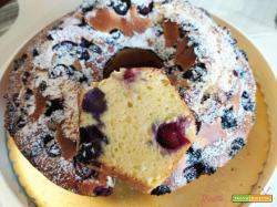 Ciambella allo yogurt e mirtilli