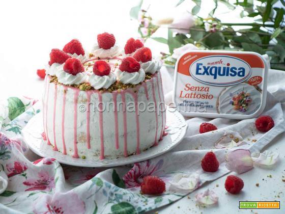 Drip cake ai lamponi, una torta per la Festa della Mamma