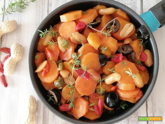 Carote alle arachidi e bacche di goji