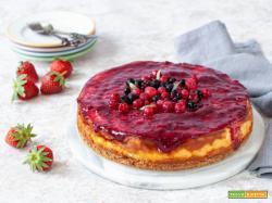 Cheesecake con skyr e frutti di bosco