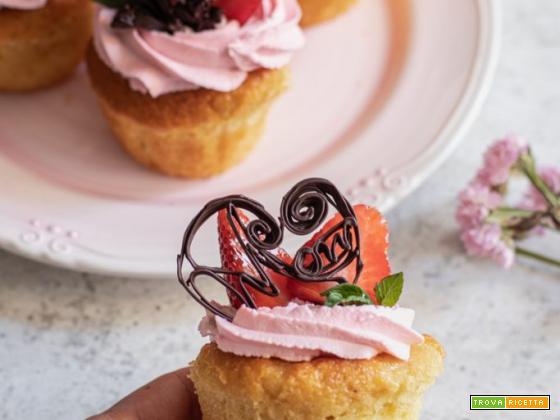 Cupcake alla vaniglia (decorati con frosting)