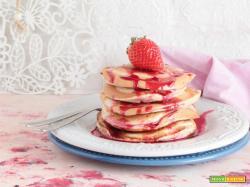 Pancake alla purea di fragole