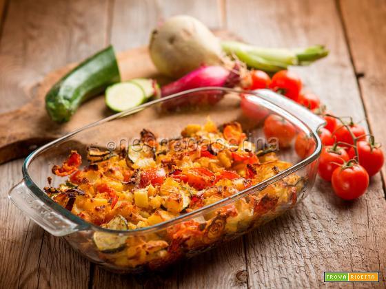 Teglia con patate e zucchine, un contorno corposo