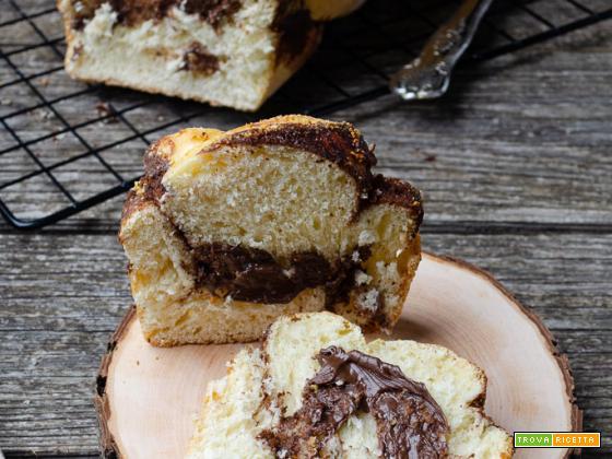 Pan brioche con crema nocciole e pistacchio