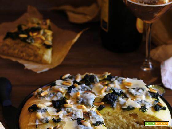 Focaccia con spinaci grana e pinoli tostati (con esubero)