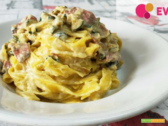 Tagliatelle senza glutine De Angelis con panna, prosciutto e zucchine