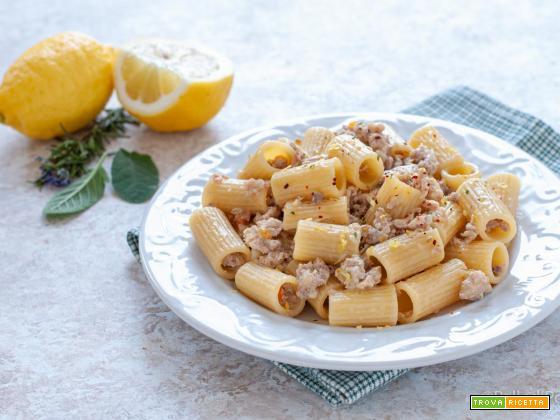 Pasta al ragù di carni bianche e limone
