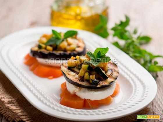 Caprese con melanzane e zucchine, un contorno gourmet