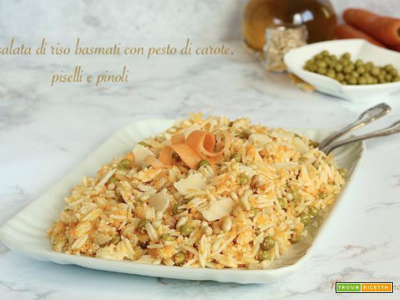 Insalata di riso basmati con pesto di carote, piselli e pinoli