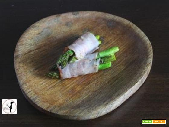 Involtini di asparagi in friggitrice ad aria