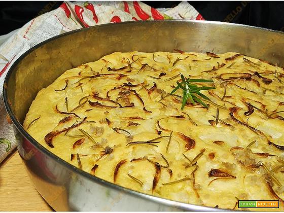 Focaccia di patate soffice con cipolle