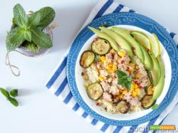 Couscous marinato al lime con tonno e avocado