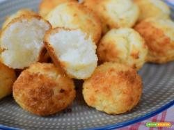 Dolcetti sfiziosi al cocco senza lattosio e senza glutine.