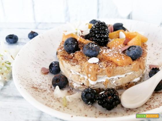 Gallette allo yogurt greco e frutta fresca
