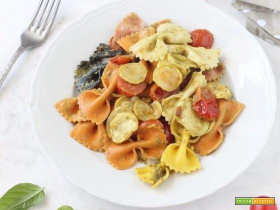 Farfalle al pesto, zucchine e pomodorini