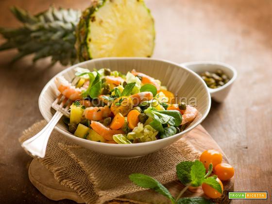 Insalata di ananas e gamberi, un pasto completo