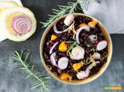 Insalata di riso venere con gamberetti