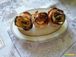 Roselline di pasta sfoglia con prosciutto cotto e zucchine