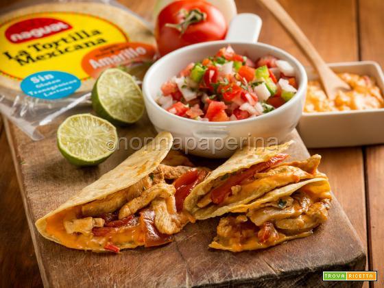 Quesadillas con pico de gallo, un delizioso street food