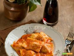 Tortelli di Parma al sugo, piatto semplice e rustico