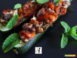 Zucchine ripiene di feta, pomodorini, paté di olive al profumo di menta in friggitrice ad aria