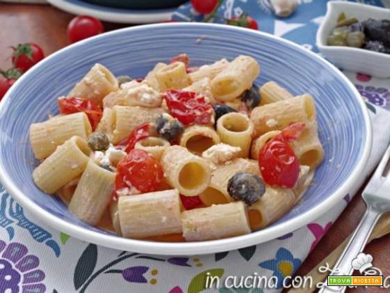 Pasta cremosa feta e pomodori