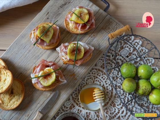 Friselle, fichi, prosciutto di Parma e miele di castagno