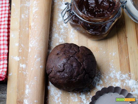 Pasta frolla con farina di carrube senza uova e senza burro