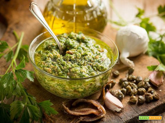 Salsa verde per bollito, un condimento rustico e saporito