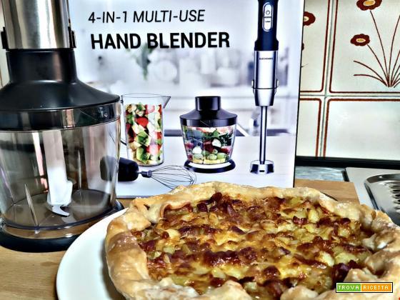 Rustico senza glutine e senza lattosio con pasta sfoglia, mozzarella, patate e pancetta
