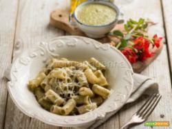 Pasta con pesto di portulaca, un piatto rustico e genuino
