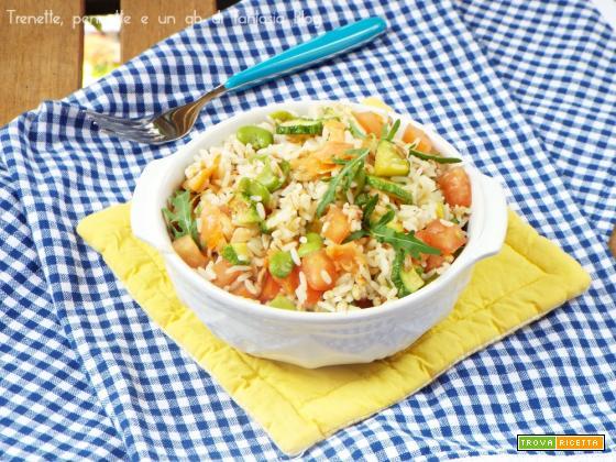 Insalata ai cereali con zucchine, fave e salmone