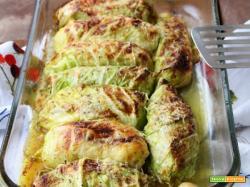 Involtini di verza con acciughe, patate e fontina.