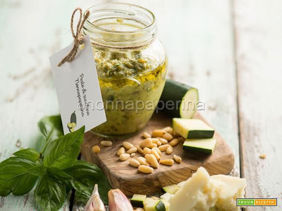 Pesto di zucchine, una variante gustosa e delicata