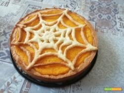 Crostata alla crema di zucca in stile Halloween