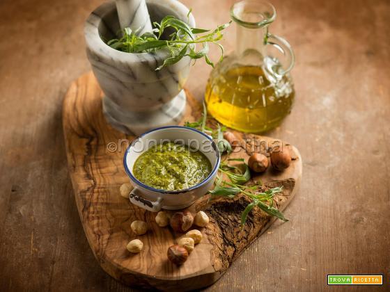 Pesto al dragoncello, un condimento squisito